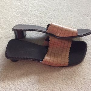 Donald J Pliner Ovatta size 9 M made in Italy